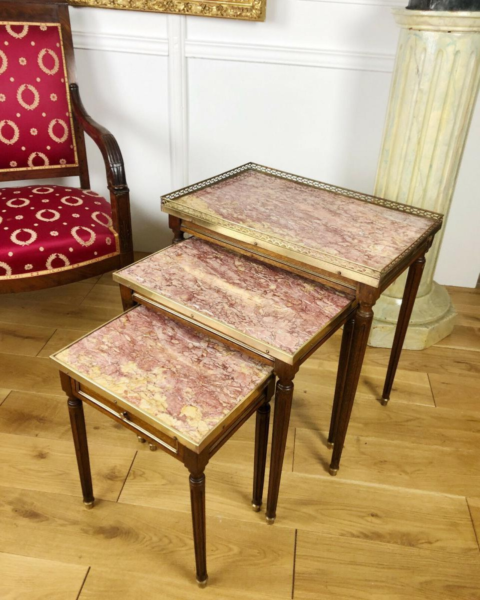 Set of 3 antique coffee tables