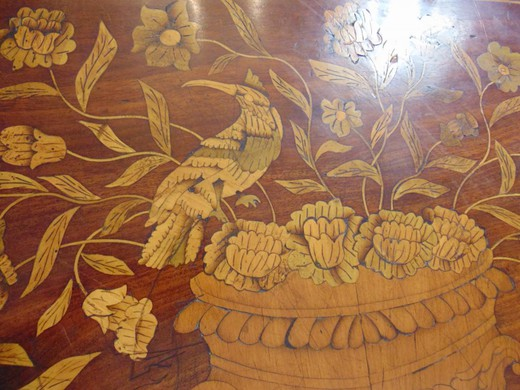 Washroom in marquetry Louis XVI