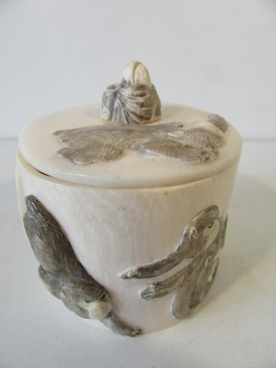 Box In Ivory With Decoration Of Monkeys Japan Around 1900