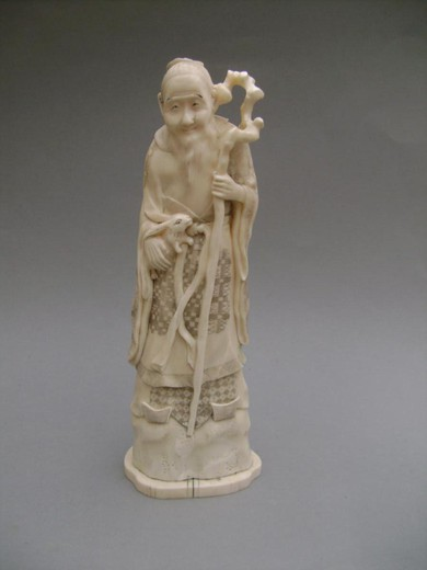 Okimono In Ivory. The Old Man And The Rabbit. Japan Meiji End (1868-1912)