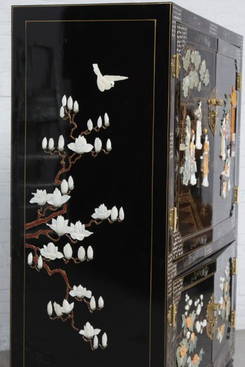 Oriental Chinese Cabinet