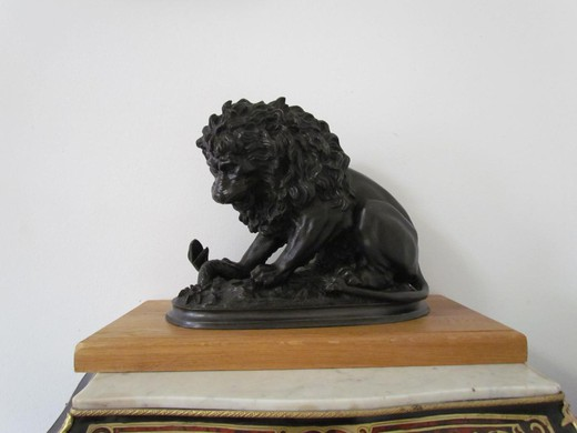 "Antique sculpture ""Lion"""