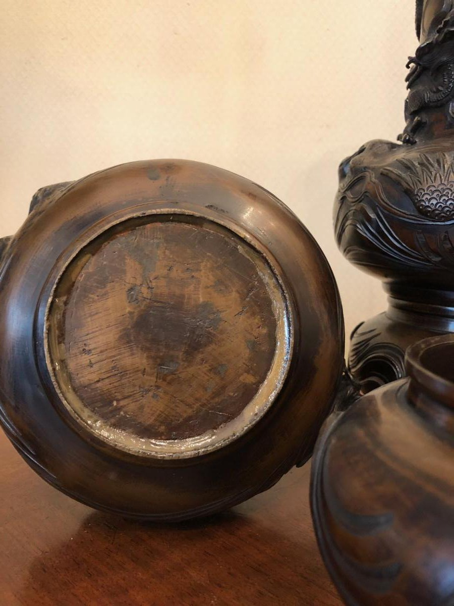 Antique bronze China vases