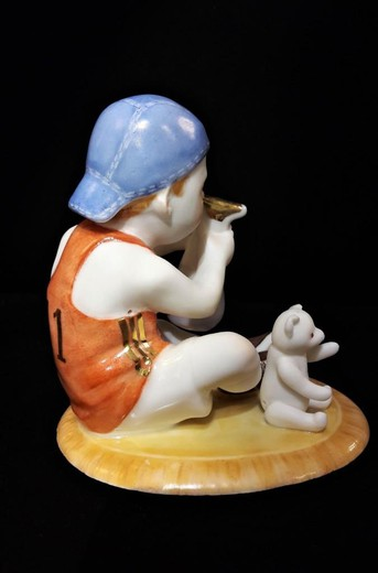 "Statuette ""Aquarius"""