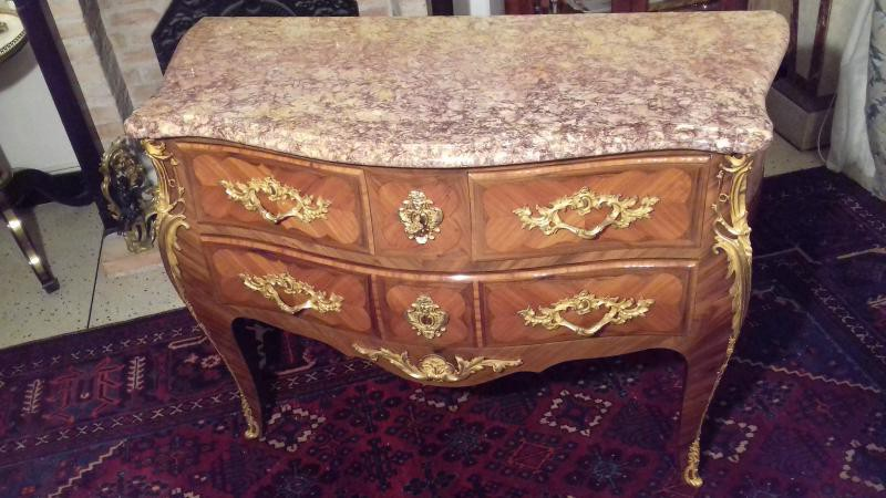 Antique Louis XV chest of drawers