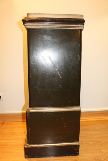 Antique incombustible strongbox