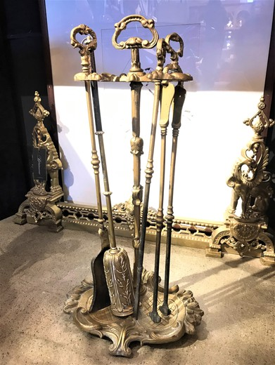Fireplace set with Louis XV style
