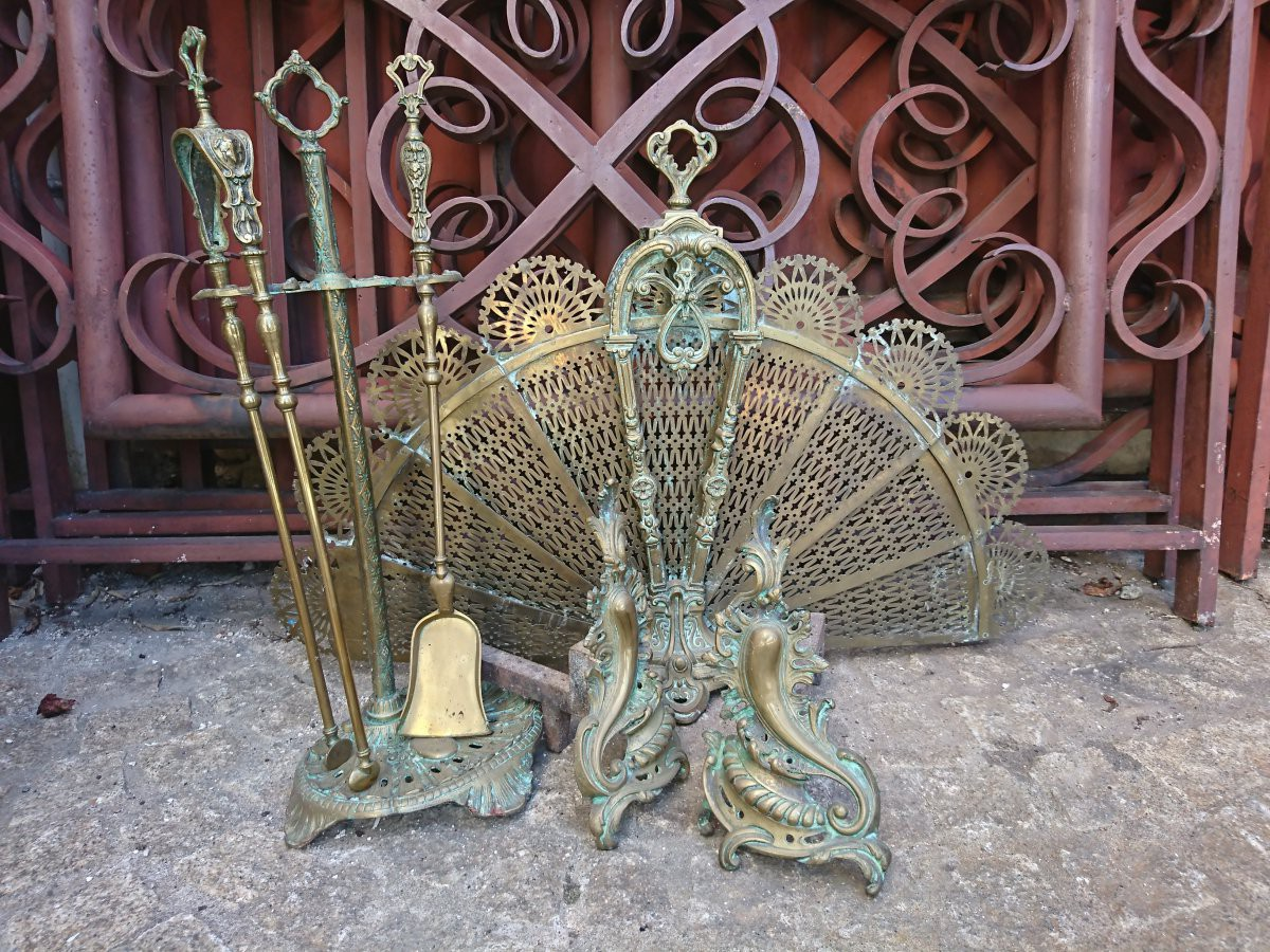 Set of antique fireplace accessories