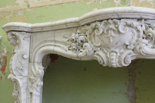 Antique chimney portal in the style of Louis XV