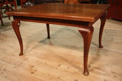 Laconic Dutch table