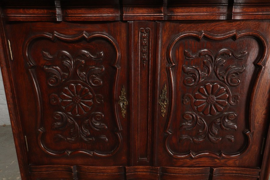 Antique country style cabinet