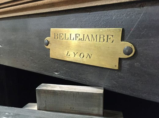 antique safe BELLEJAMBE