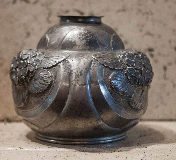 little vase art-nouveau