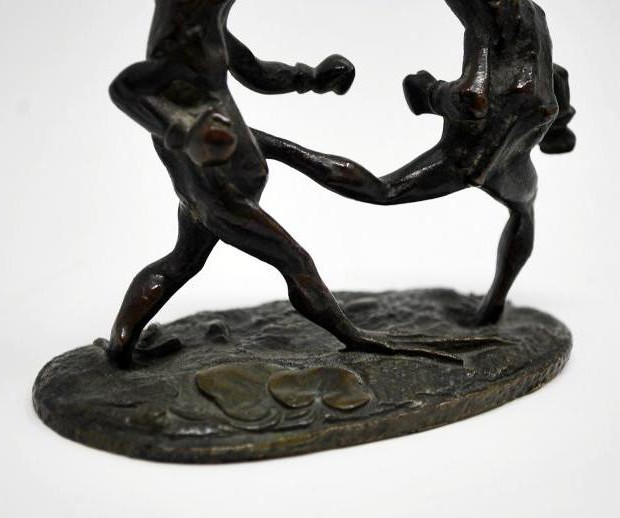 "Antique sculpture ""Boxing frogs"""