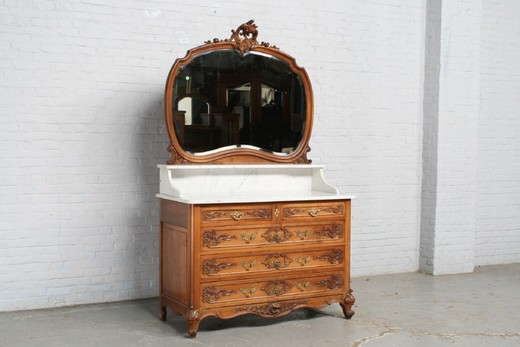 Antique commode louis XV